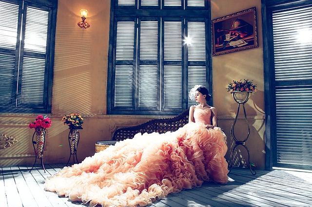 Bez krásné róby se na plese či v opeře neobejdete
