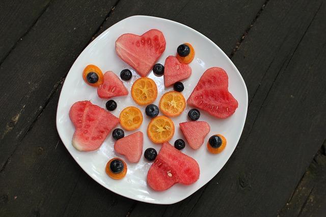 talíř s ovocem