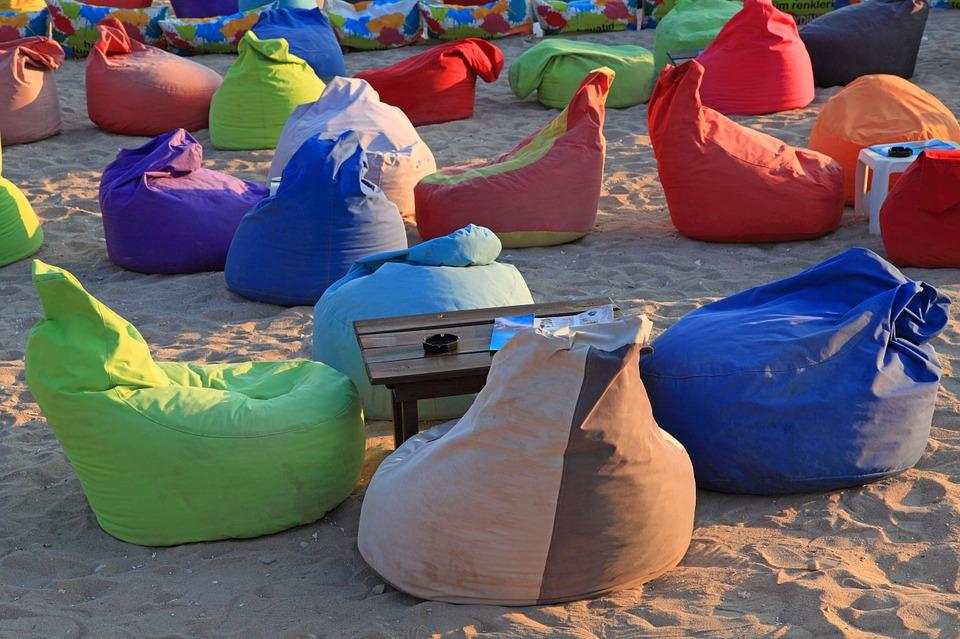 sedací vaky na písku